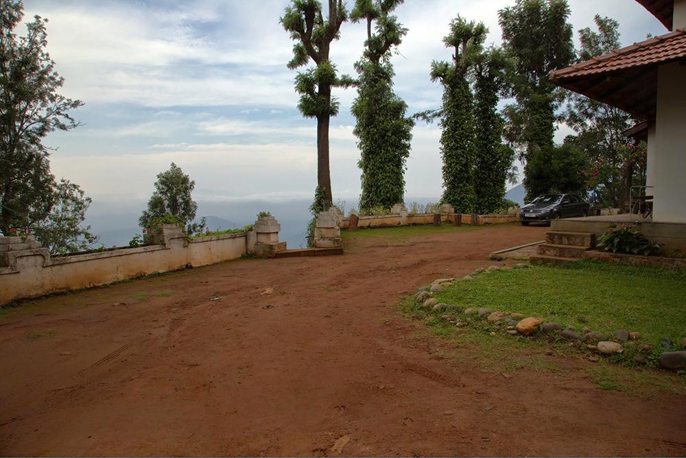 entrance-driveway