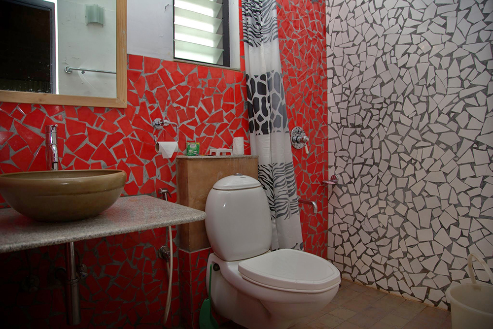 pepper-house-bathroom