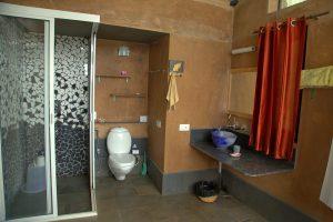 waterfall-room-bathroom